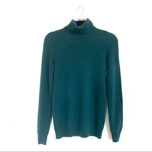 C Bloomingdales 100% cashmere turtleneck sweater